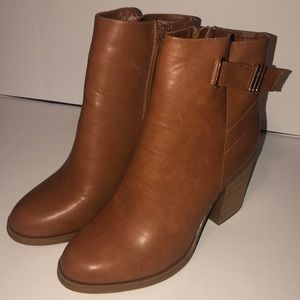 Just Fab Camel with Gold Accent Booties